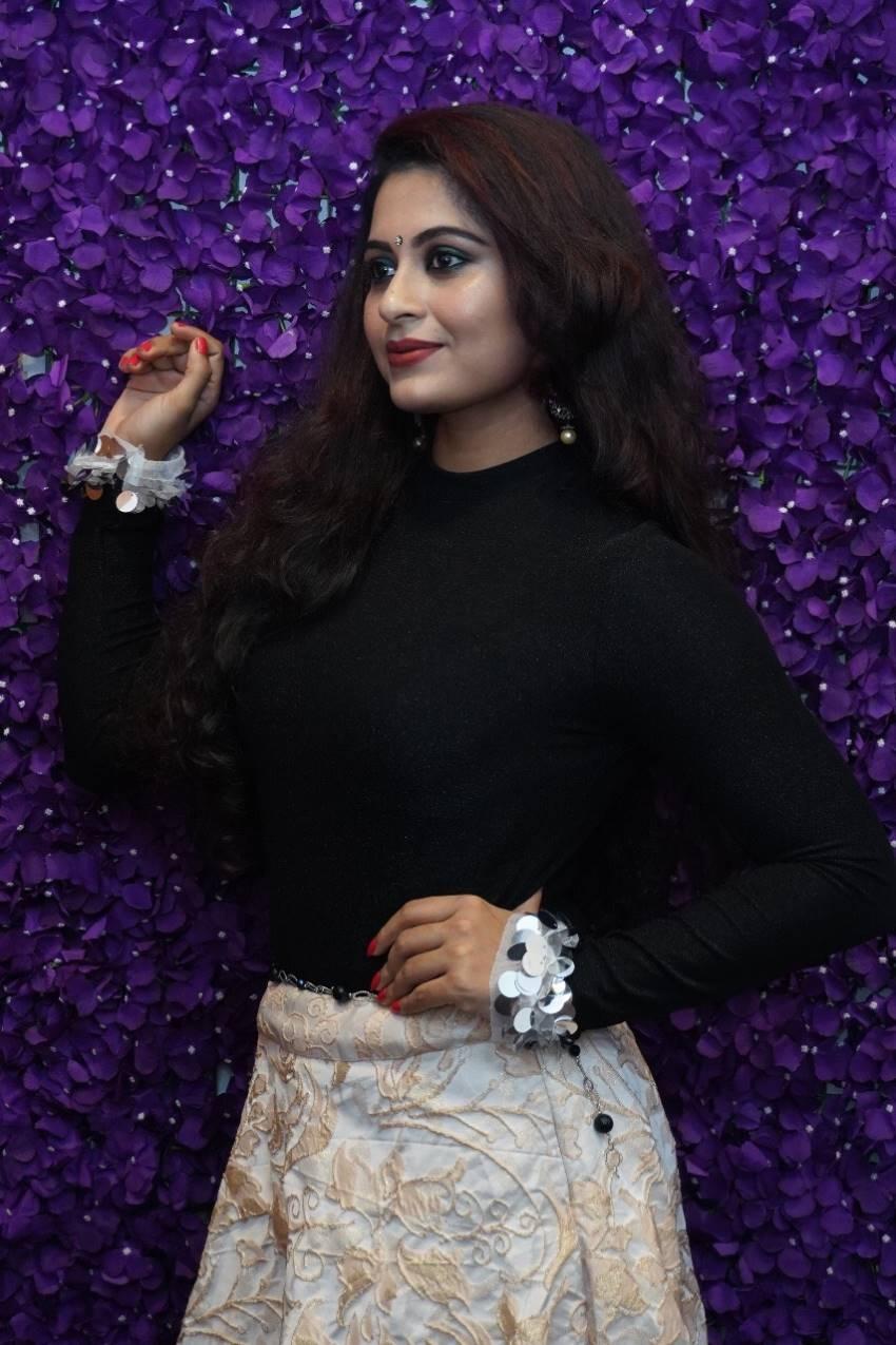 Sruthi Lakshmi Photos