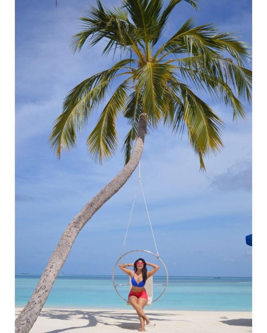 TV Actress Nikita Sharma Maldives Vacation Photos