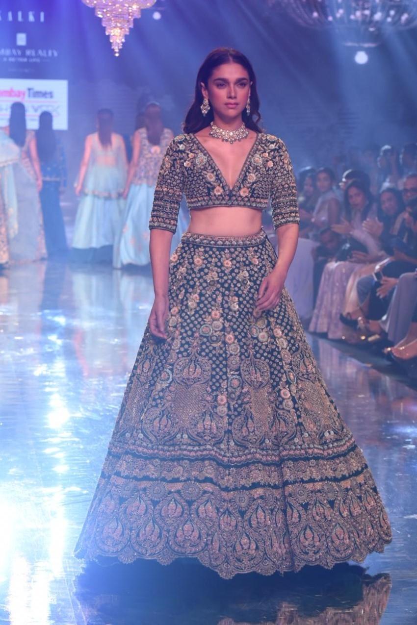 Aditi Rao Hydari Walks The Ramp For Bombay Times Fashion Week 2019 Photos