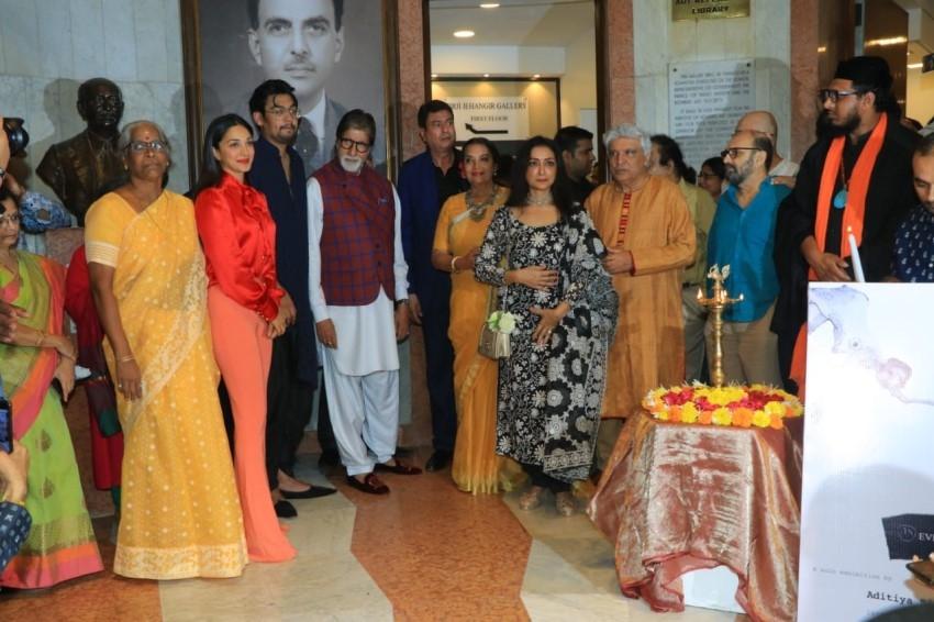 Amitabh Bachchan, Jaya Bachchan, Javed Akhtar & others At Aditya Singh's Exhibition Inauguration Photos