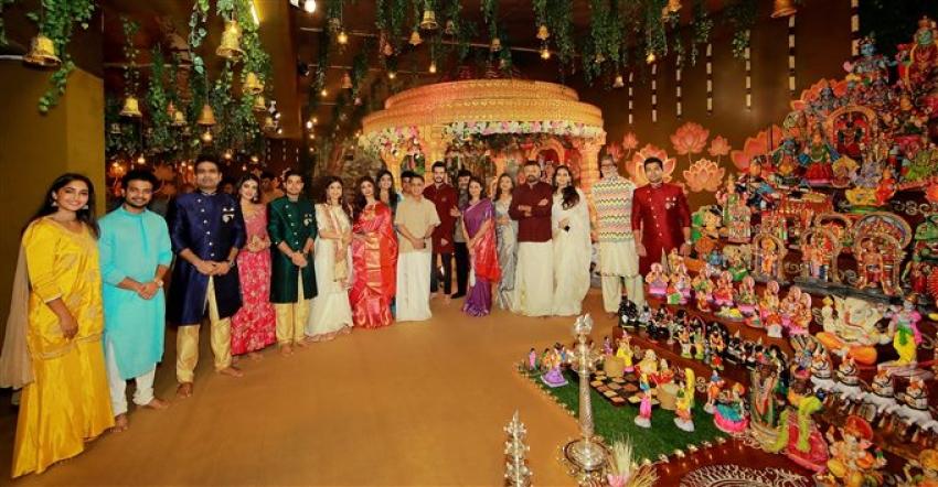Amitabh Bachchan At Kalyan Jewelers  In Kerala During Navratri Pooja Photos