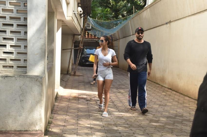 Arjun Kapoor & Malaika Arora spotted at a clinic in Juhu, Mumbai Photos