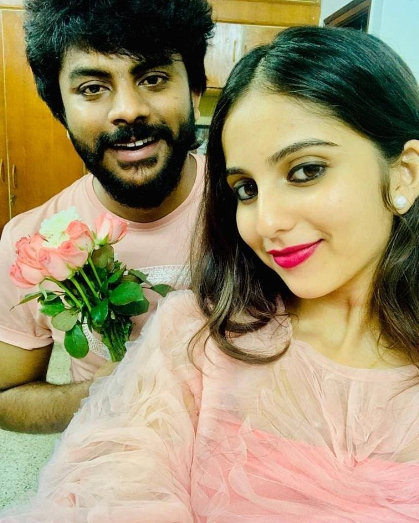 Chandan Shetty And Niveditha Gowda Romantic Photos