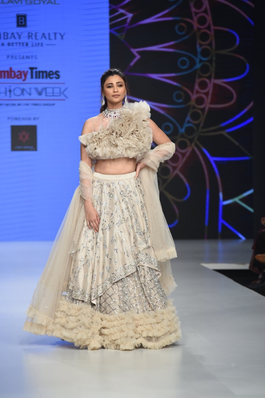 Daisy Shah Walks The Ramp For Bombay Times Fashion Week 2019 Photos