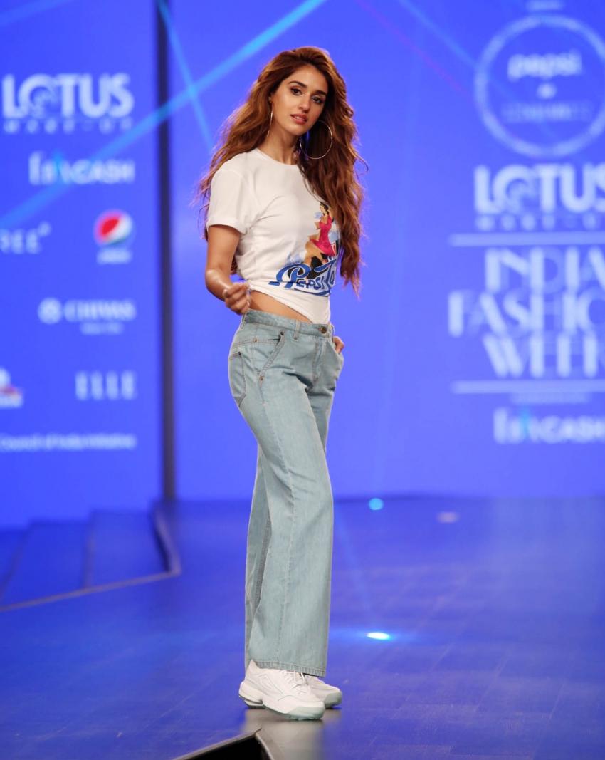 Disha Patani Walks The Ramp At Lotus Fashion Week 2019 Photos