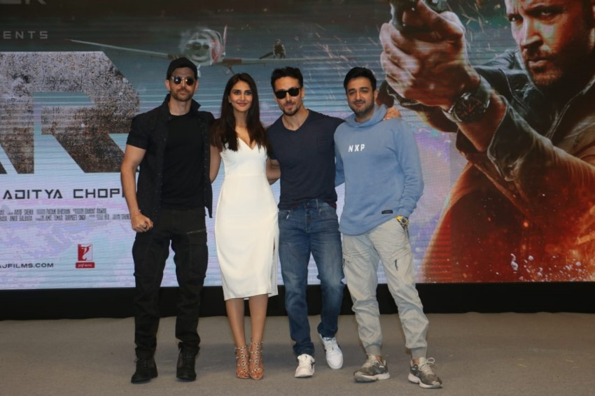 Hrithik Roshan, Tiger Shroff, Vaani Kapoor & Others At War Success Bash Photos