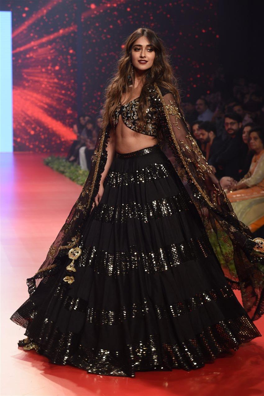 Ileana D'Cruz Walks The Ramp For Bombay Times Fashion Week 2019 Photos