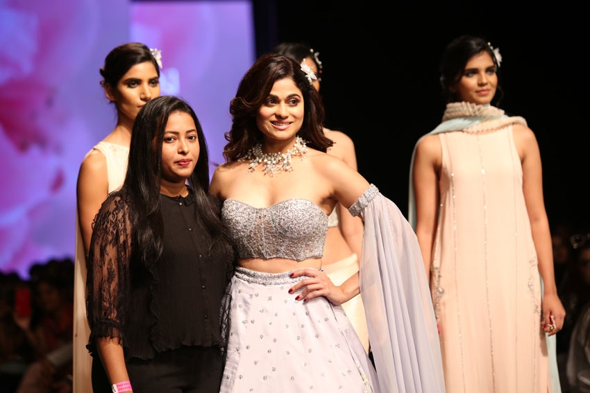 Shamita Shetty Walks The Ramp At Lotus Fashion Week 2019 Photos