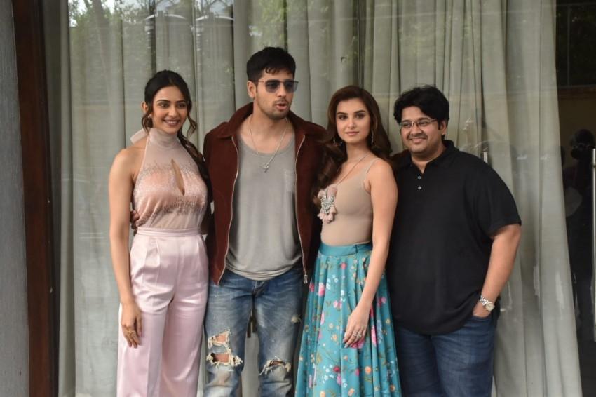 Siddharth Malhotra, Rakul Preet & Tara Sutaria snapped promoting the film 'Marjaavaan' Photos