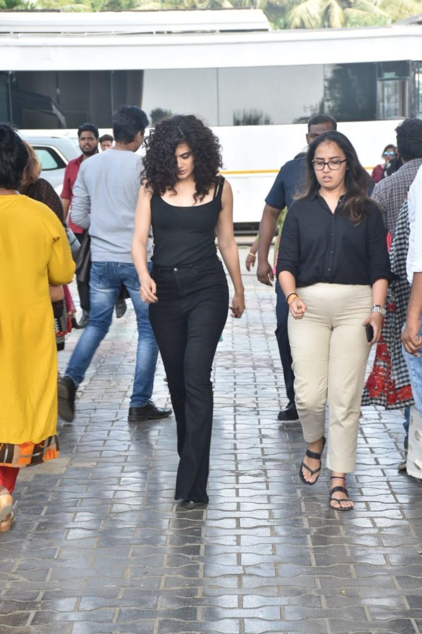 Taapsee Pannu, Bhumi Pednekar & others Promote 'Saand Ki Aankh' on the sets of Movie Masti With Maniesh Paul Photos