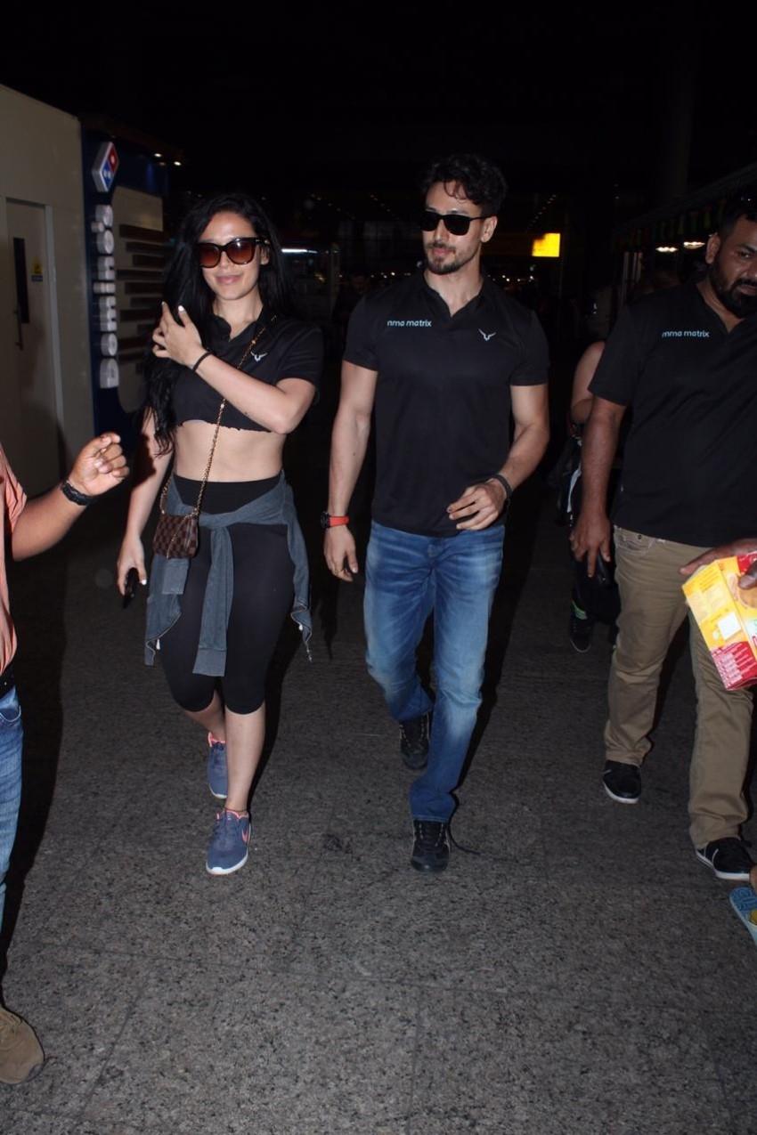 Tiger Shroff & Krishna Shroff Snapped At Mumbai Airport Photos