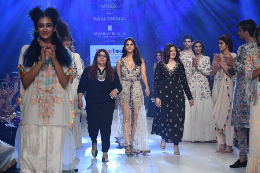 Vaani Kapoor Walks The Ramp For Bombay Times Fashion Week 2019 Photos