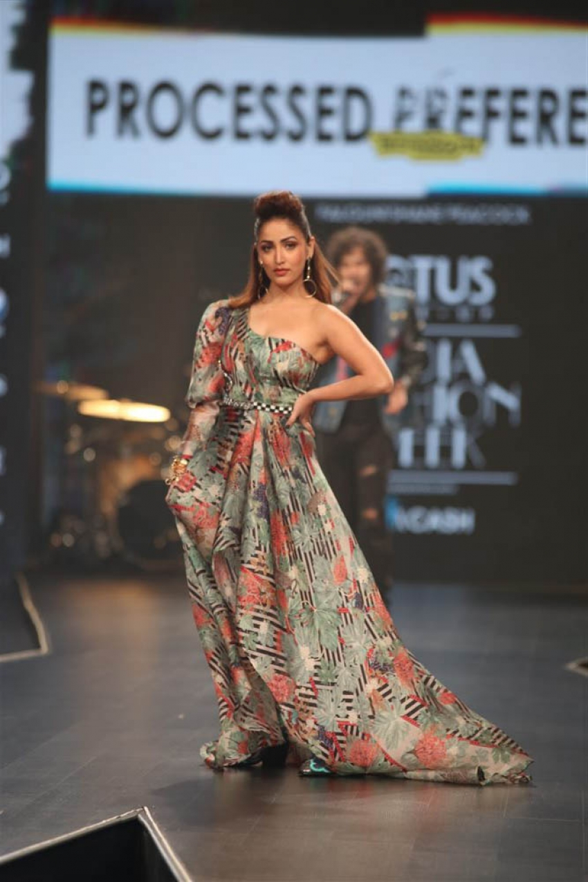 Yami Gautam Walks The Ramp At Lotus Fashion Week 2019 Photos