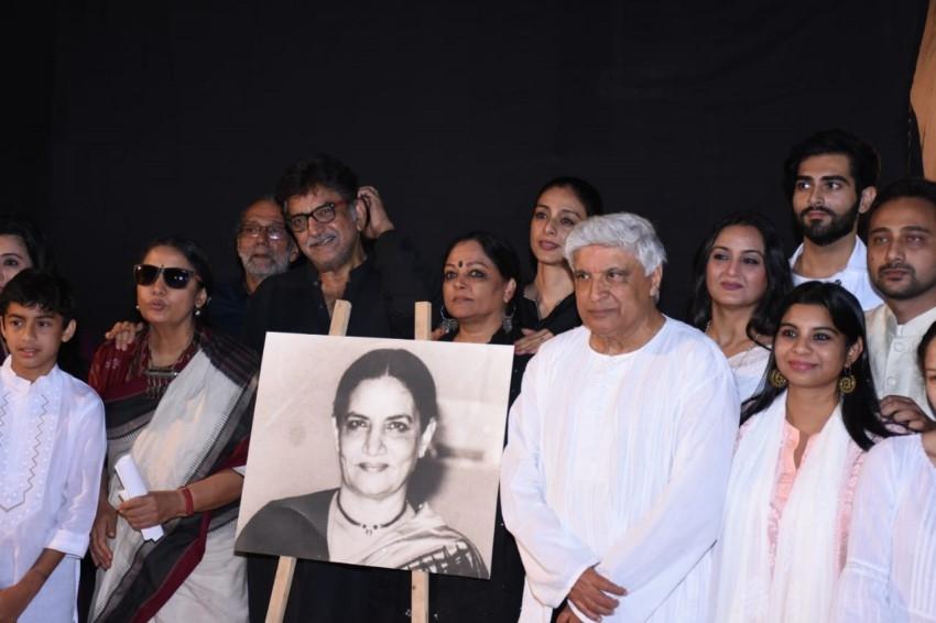 Aamir Khan, Anil Kapoor, Kajol & others celebs attend Shabana Azmi's mother Shaukat Kaifi's prayer meet Photos