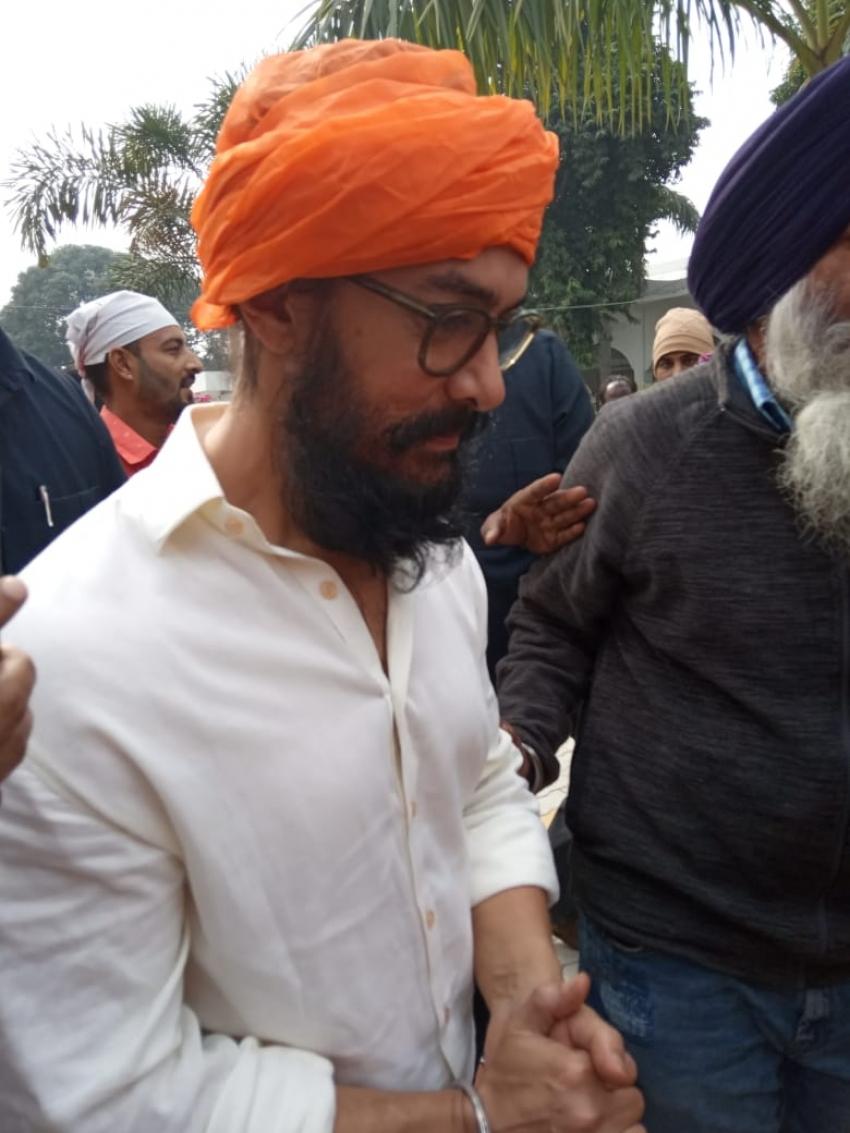 Aamir Khan Takes Blessing From Gurudwara Bathaa Sahib For Lal Singh Chaddha Movie Photos