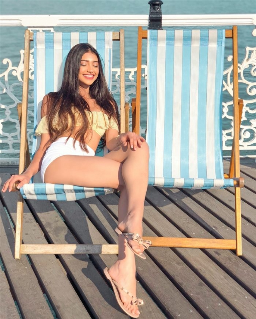 Alanna Panday Bold Pictures Goes Viral On Internet Photos