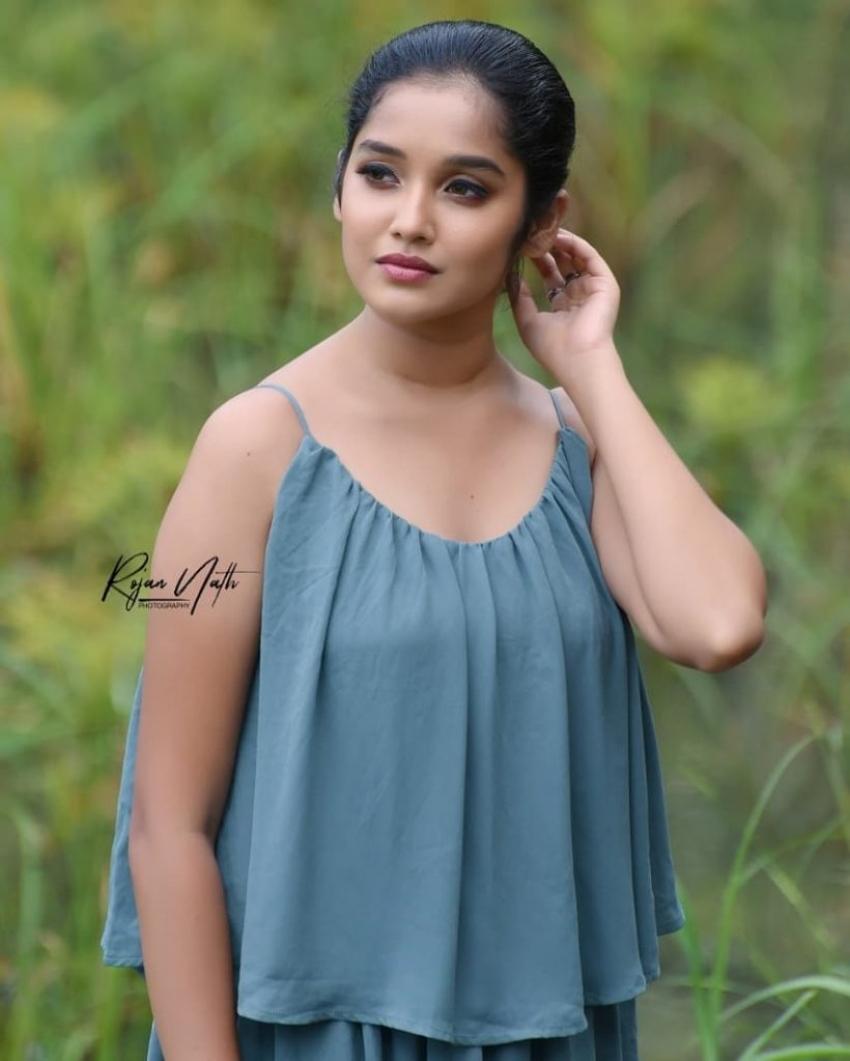 Anikha Surendran Photos