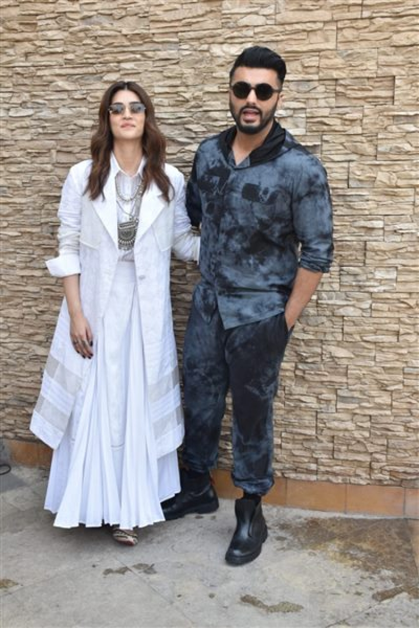 Arjun  Kapoor & Kriti Sanon Promote Panipat Movie In Mumbai Photos