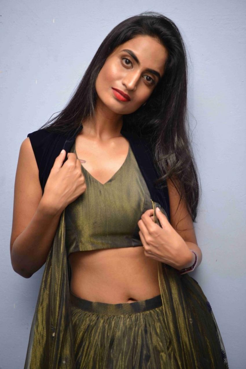 Deepti Mohan Photos