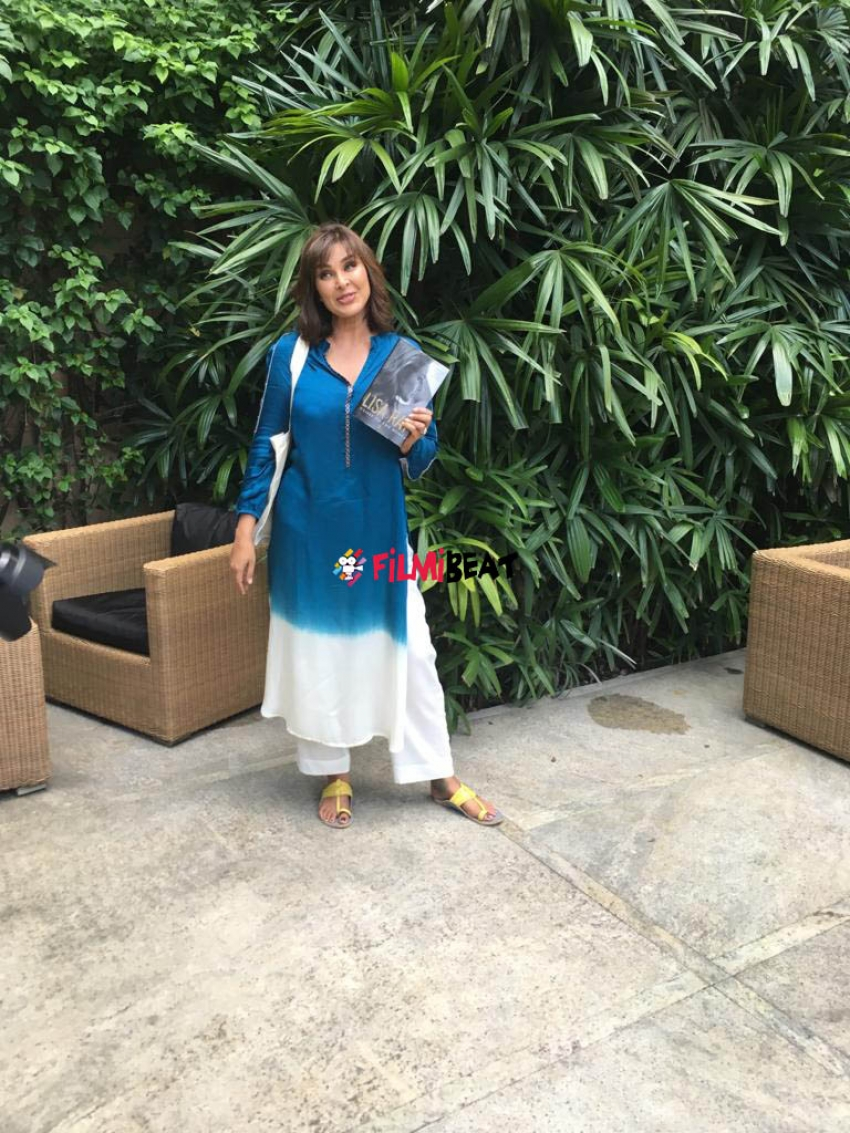Exclusive: Lisa Ray Makes Stunning Appearance At Bangalore Literature Festival 2019 Photos