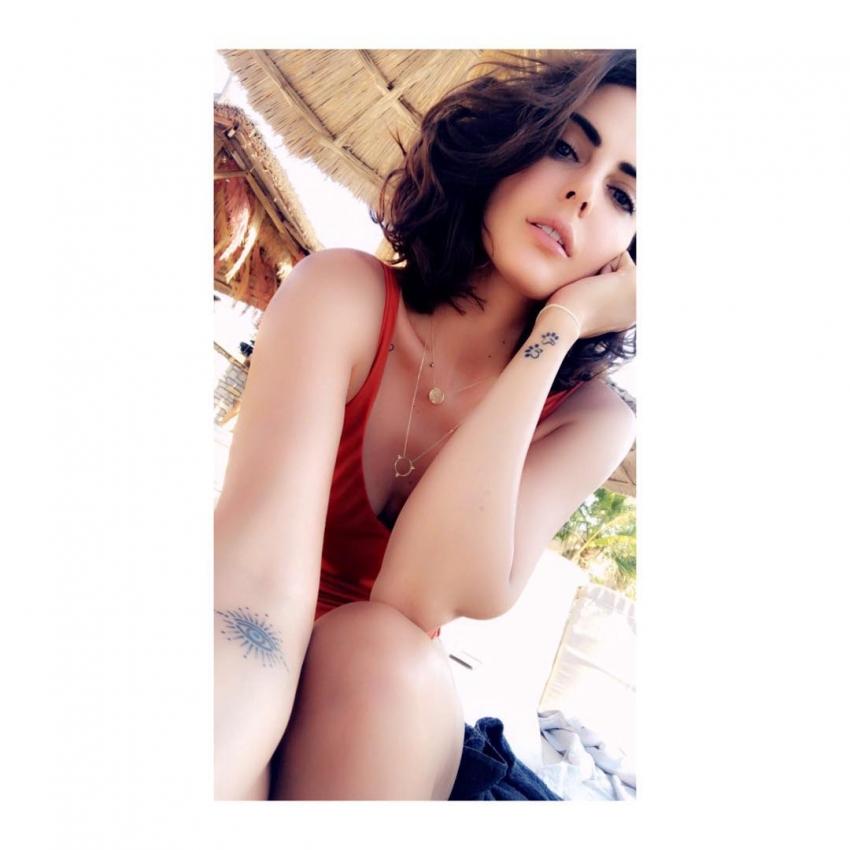 Mandana Karimi Hot Photos Photos