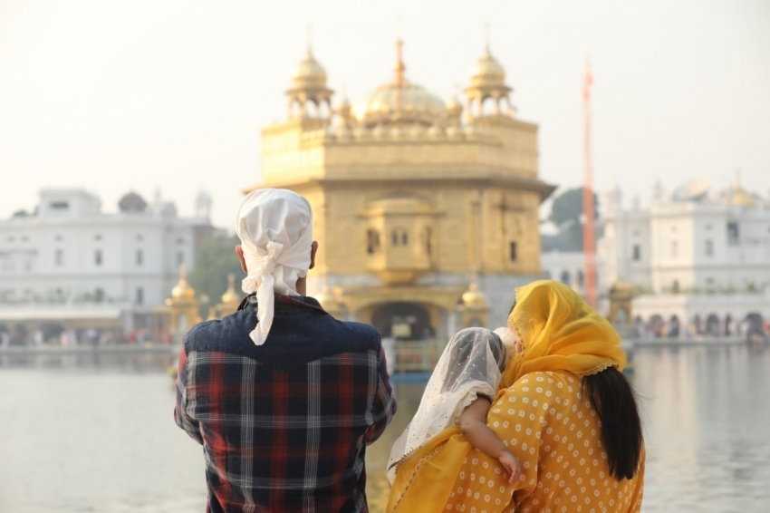 Neha Dhupia & Angad Bedi With Her Daughter Visit Golden Temple In Amritsar Photos