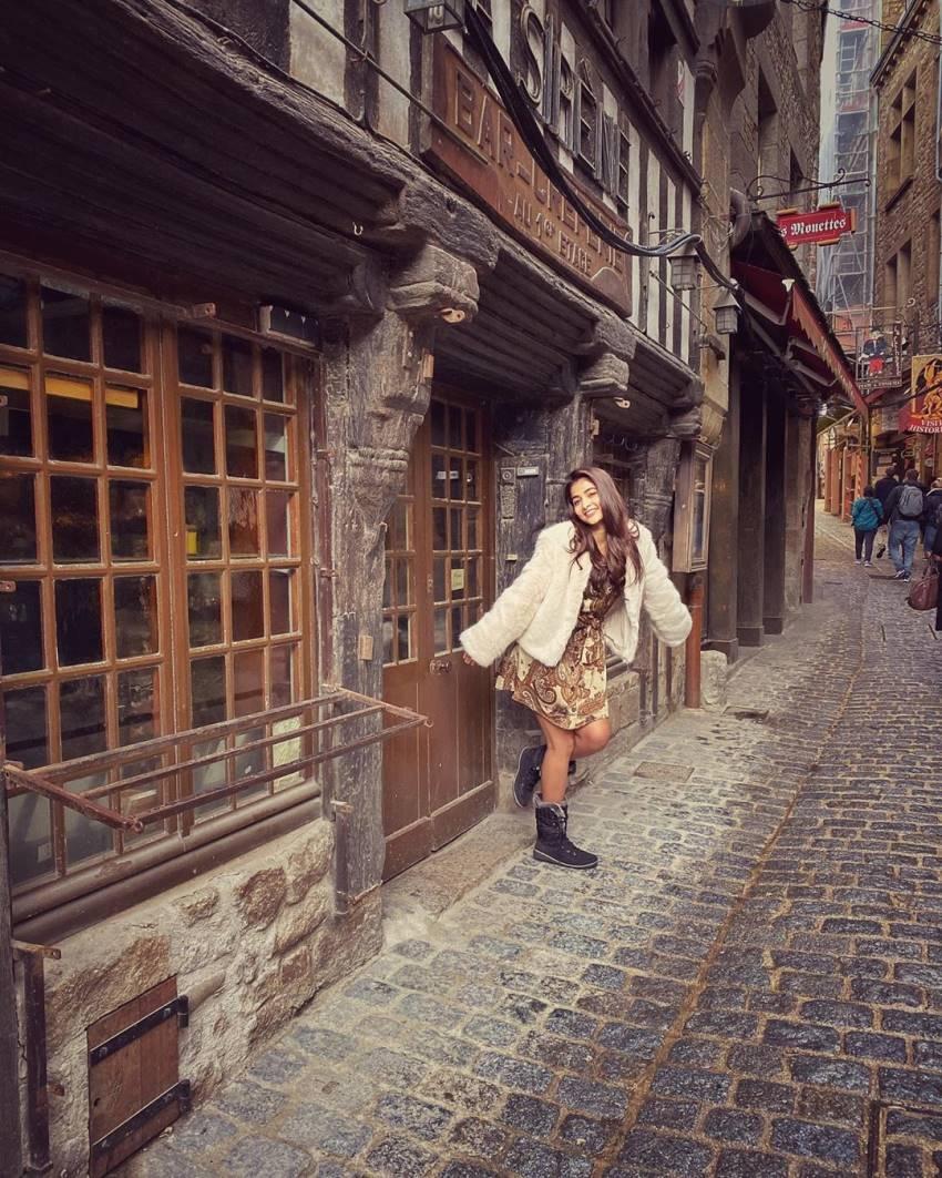 Pooja Hegde Enjoying Her Vacation At France Photos