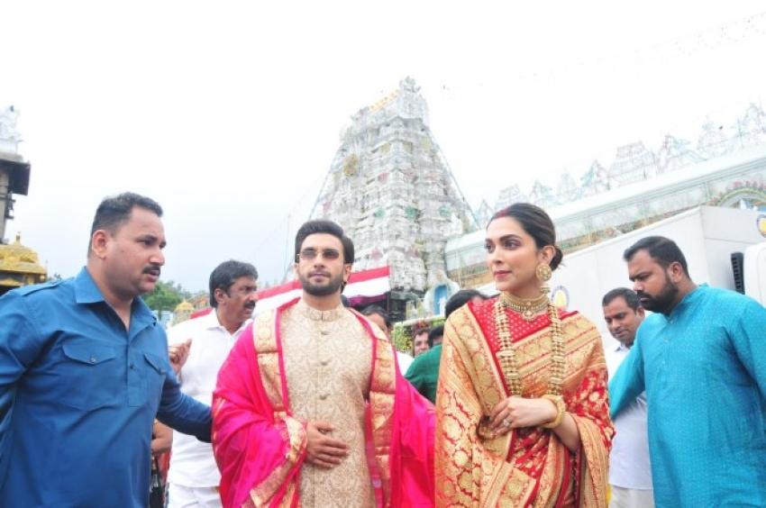 Ranveer Singh & Deepika Padukone Takes Bessings at Tirupati Shrine Photos