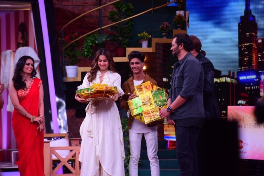 Sara Ali Khan, Rohit Shetty & Others on the sets of Movie Masti With Maniesh Paul Photos
