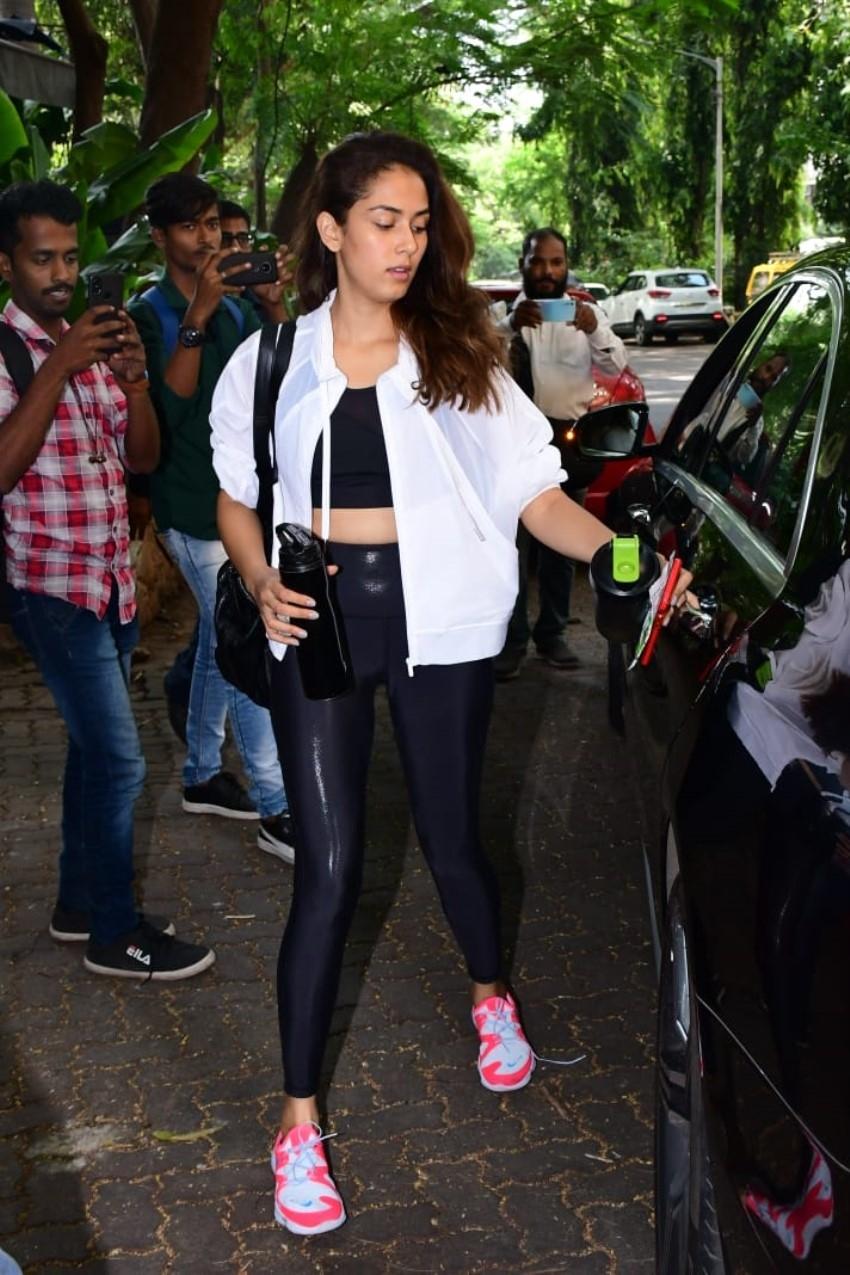 Shahid Kapoor & Mira Rajput Snapped at Gym in Mumbai Photos