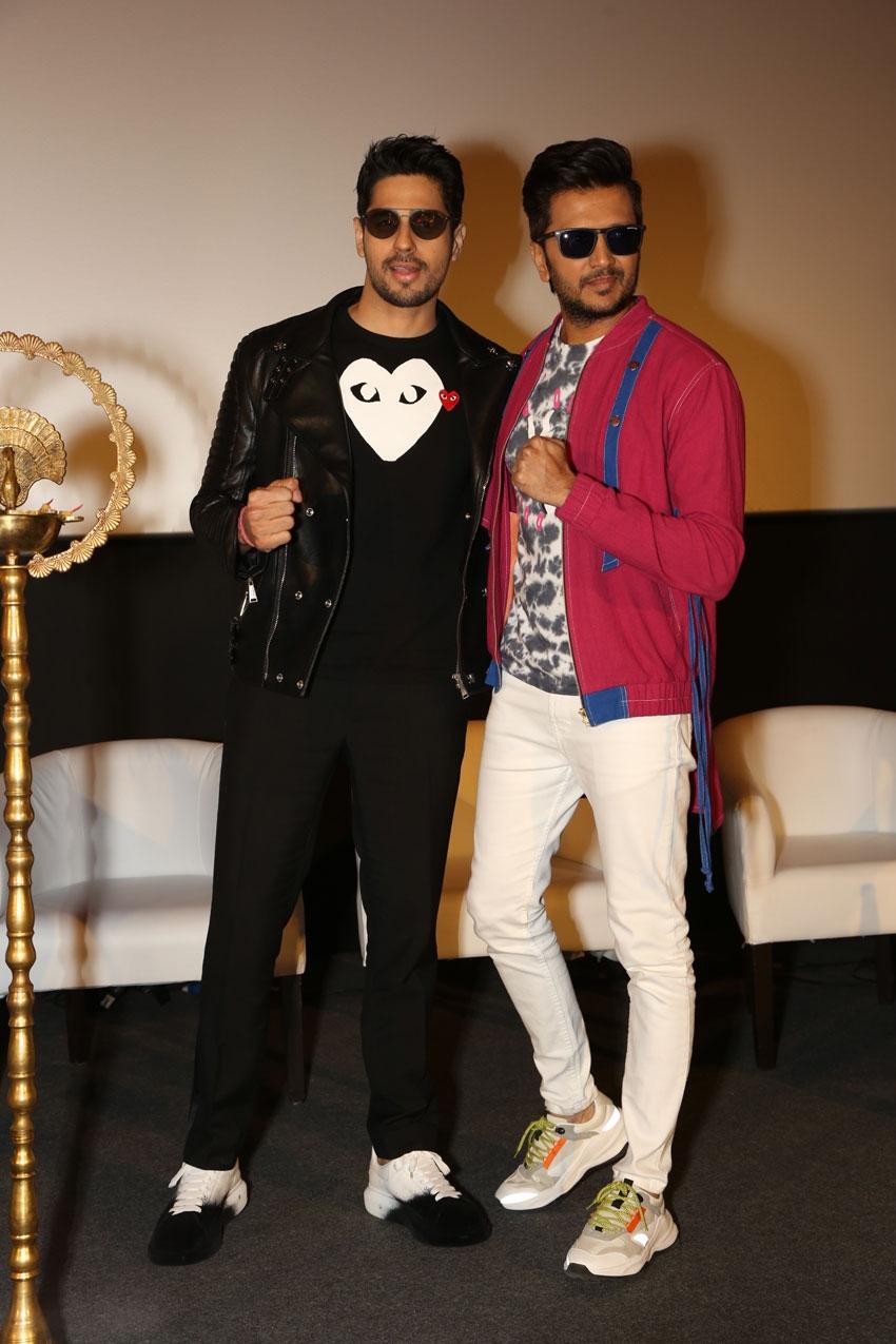 Siddharth Malhotra & Riteish Deshmukh snapped promoting the film 'Marjaavaan' in New Delhi Photos