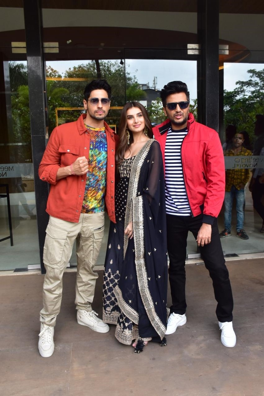 Siddharth Malhotra, Riteish Deshmukh & Tara Sutaria snapped promoting the film 'Marjaavaan' Photos