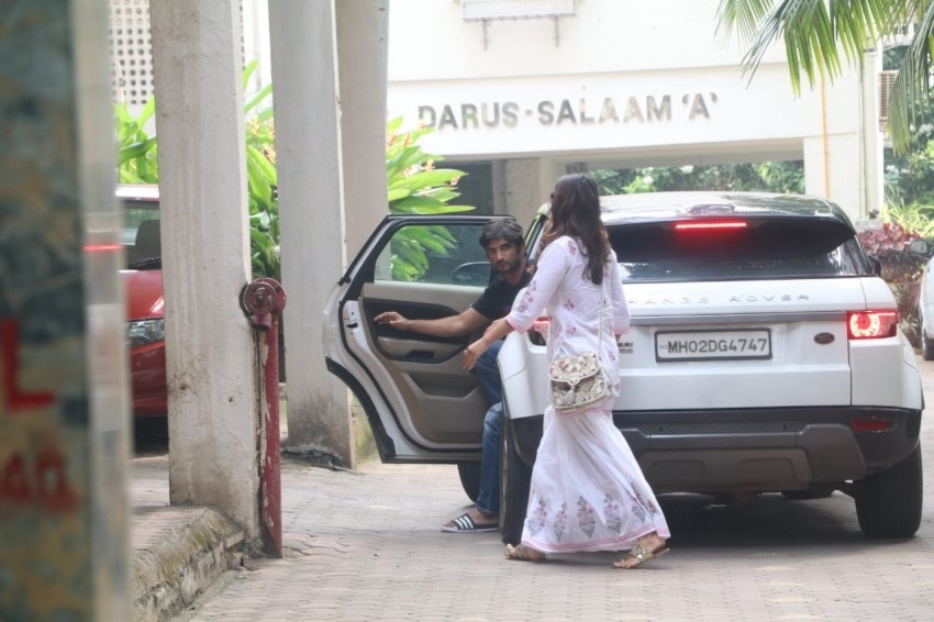 Sushant Singh & Rhea Chakraborty spotted in Bandra, Mumbai Photos