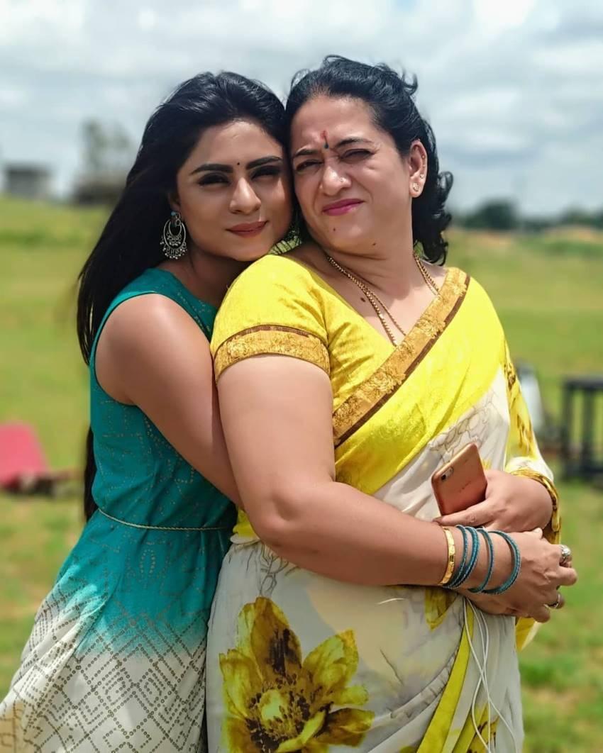 Kannada Bigg Boss Season7 Contestant Deepika Das Vacation Photos