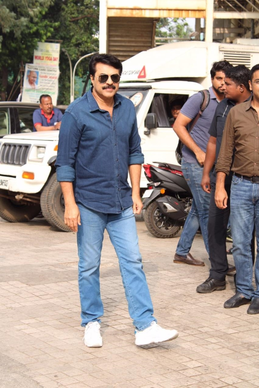 Mammootty, Prachi Tehlan, Iniya & others at Mamangam Trailer Launch in Mumbai Photos