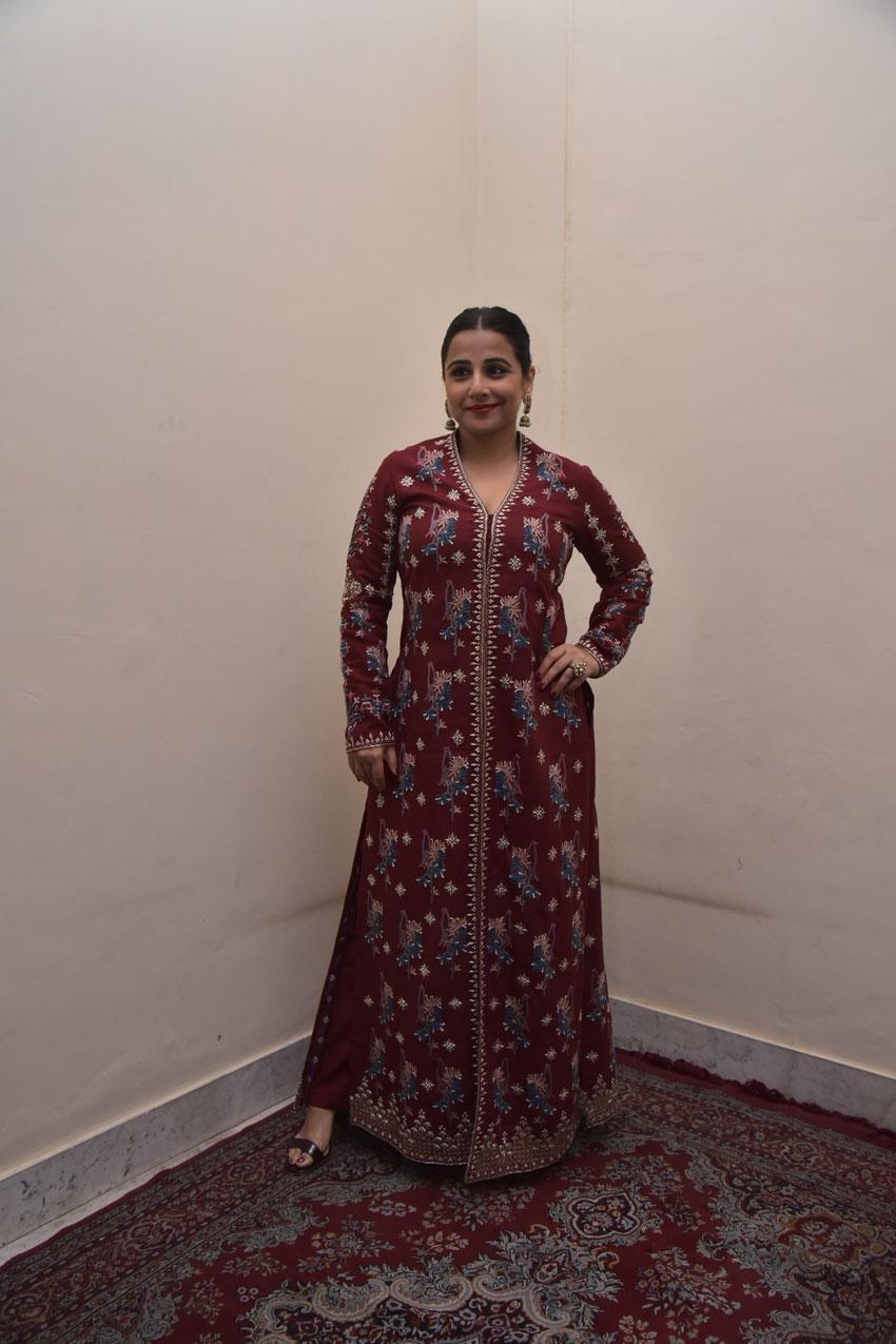 Vidya Balan snapped at FICCI Event in Jaipur Photos