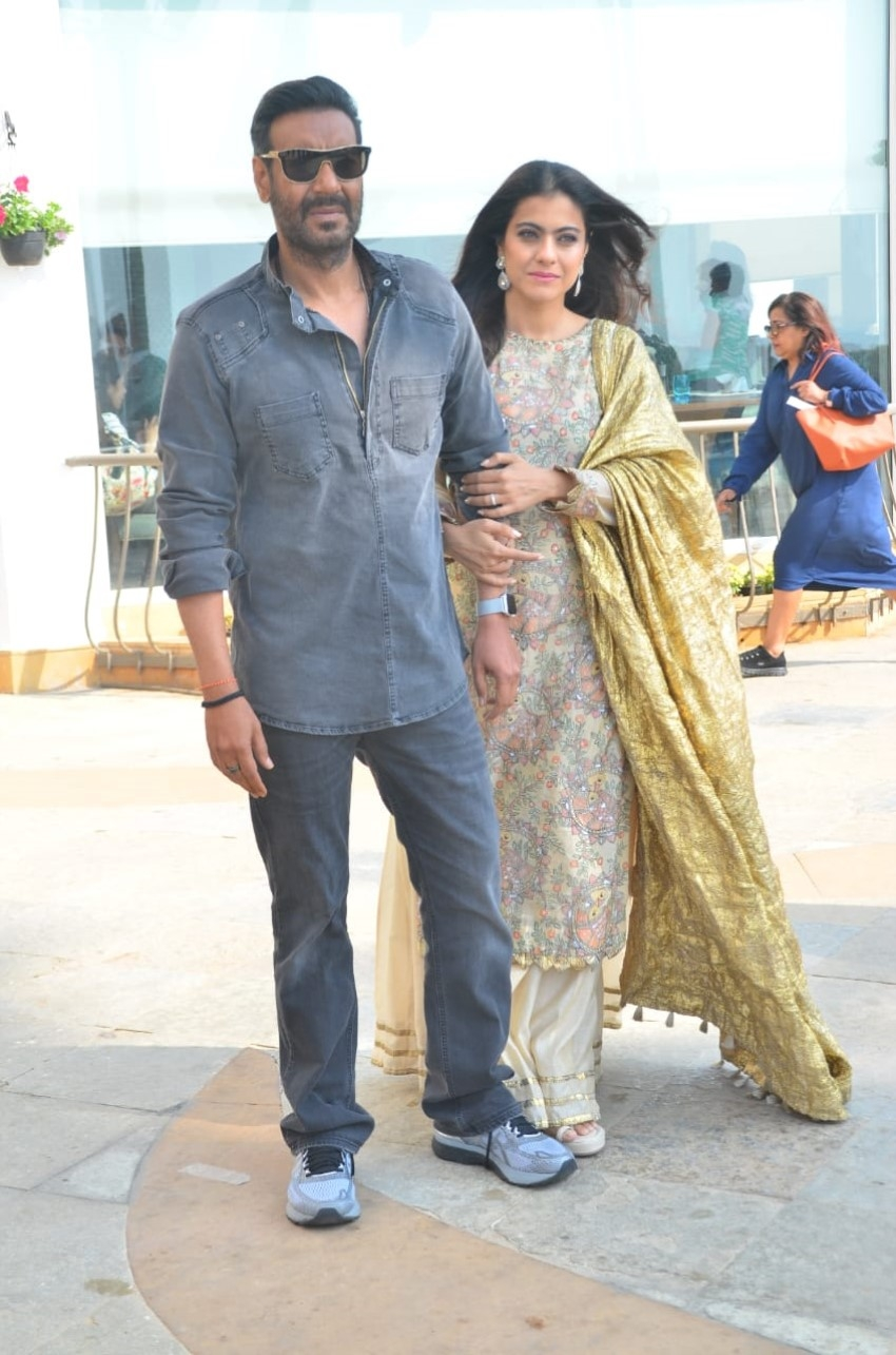 Ajay Devgn and Kajol snapped at Sun n Sand hotel promoting the film Tanhaji – The Unsung Warrior Photos
