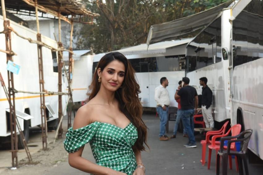 Anil Kapoor, Disha Patani, Aditya Roy Kapur & others snapped promoting 'Malang' in Mumbai Photos