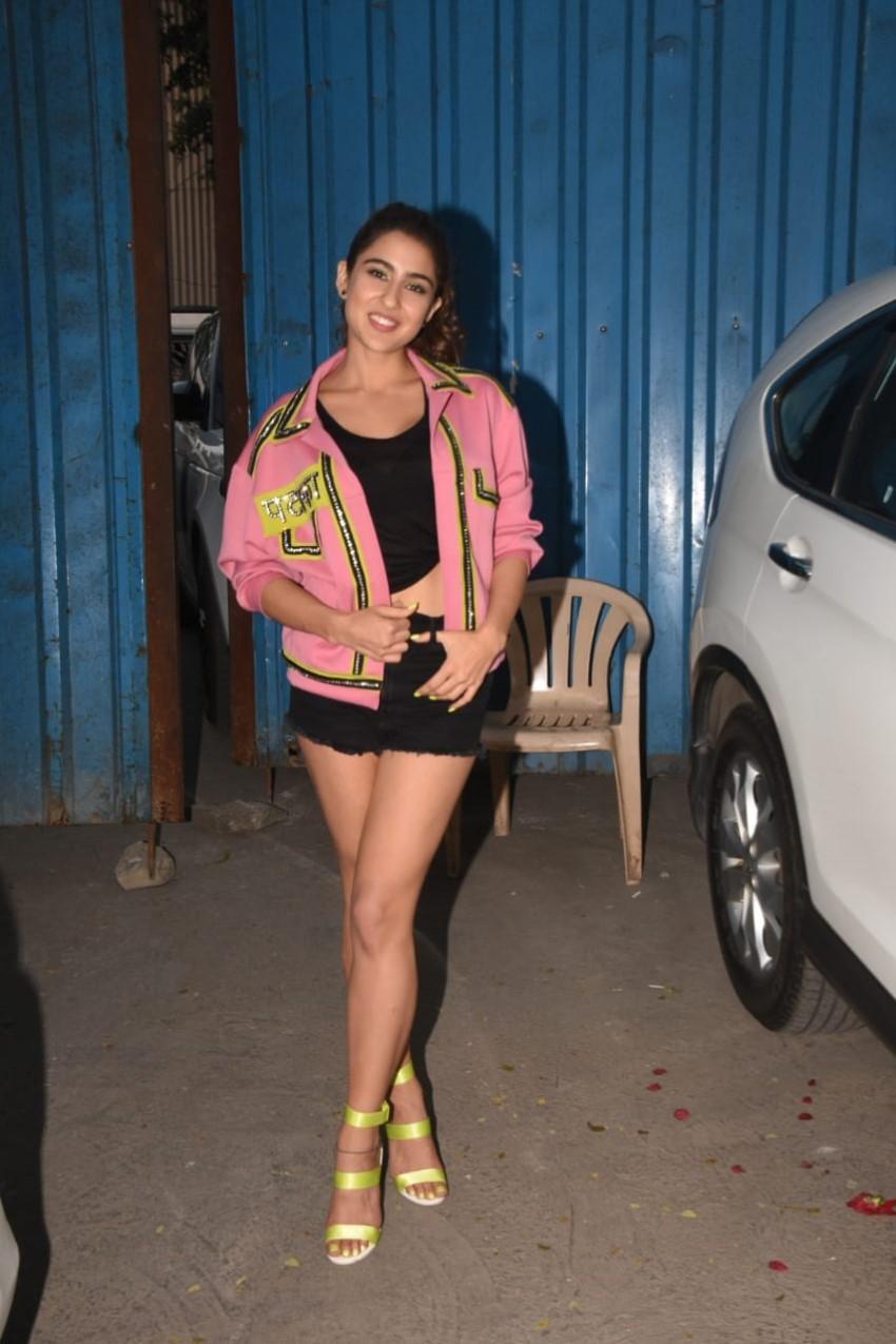 Sara Ali Khan & Kartik Aaryan snapped promoting 'Love Aaj Kal' at Film City Photos
