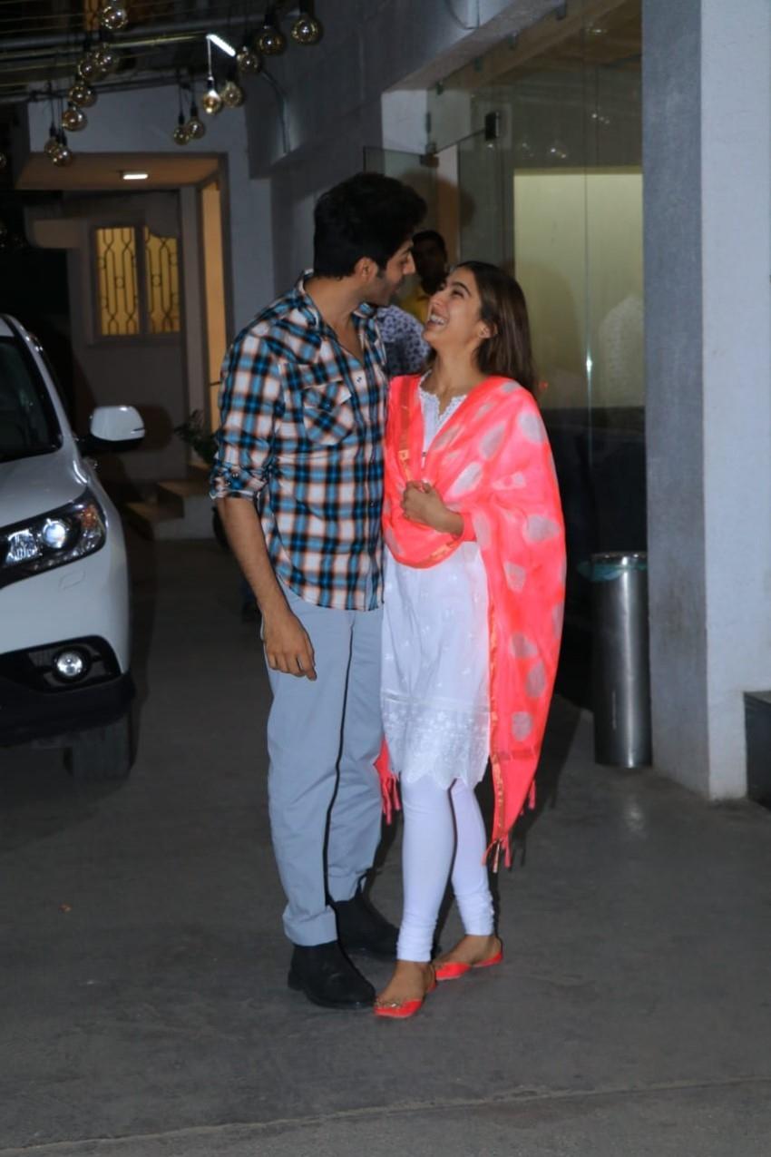 Sara Ali Khan & Kartik Aaryan snapped at Sunny Super Sound Studio in Juhu Photos