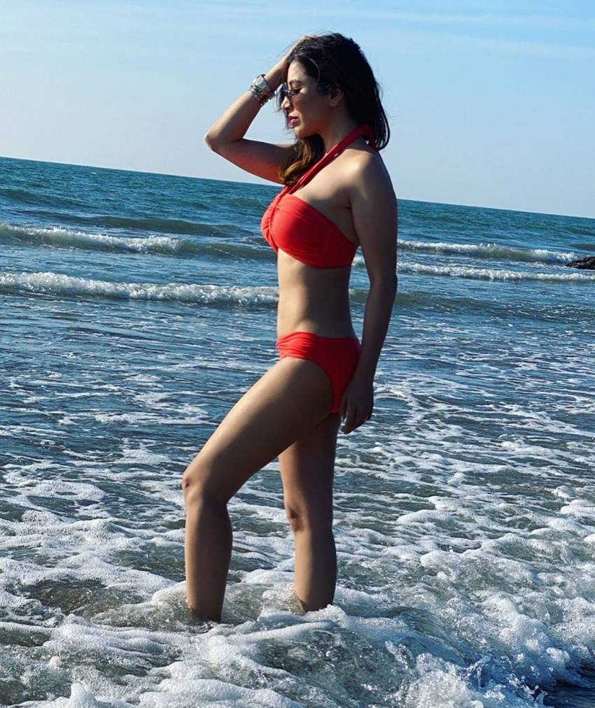 Sophie Choudry Raises The Temperature With Her Bold Photos