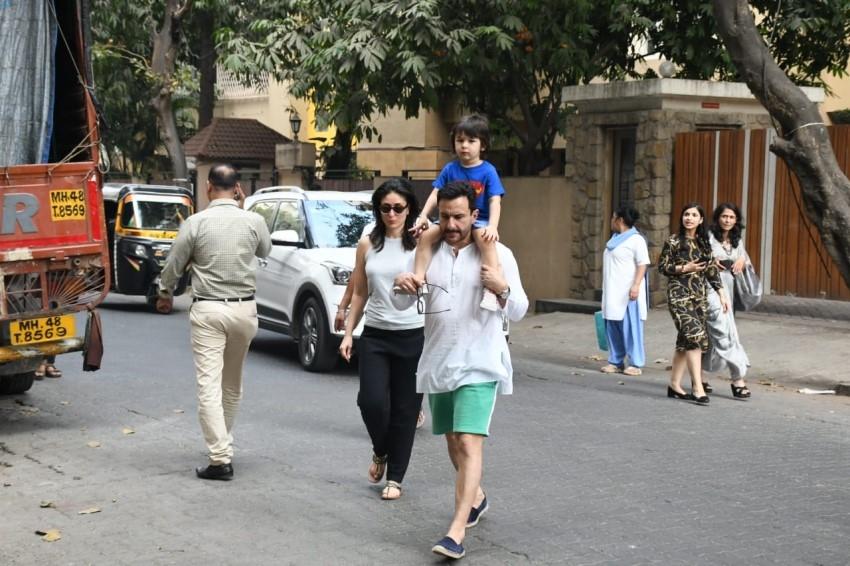 Kareena Kapoor Khan, Saif Ali khan & Taimur Ali Khan spotted in Bandra Photos
