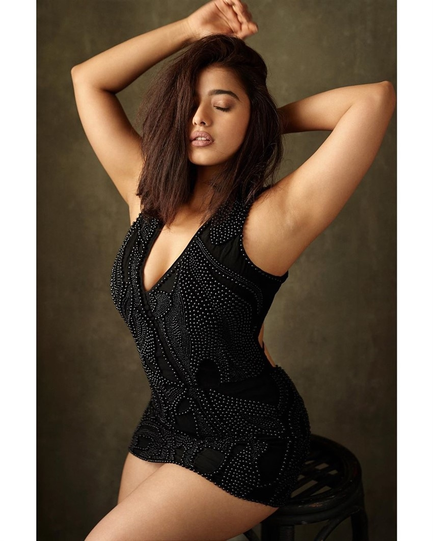 Ketika Sharma Photos