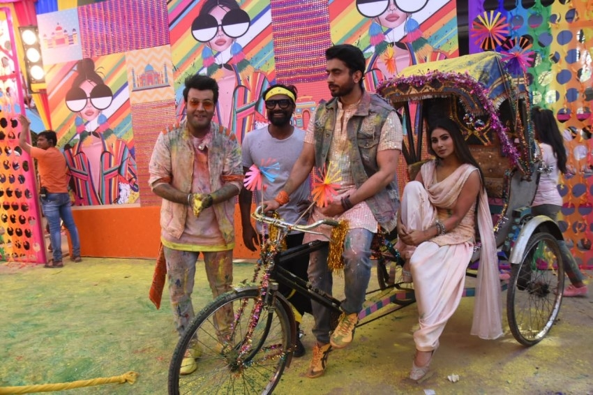 Mouni Roy, Remo D'Souza, Varun Sharma & others snapped shooting a Holi song Photos