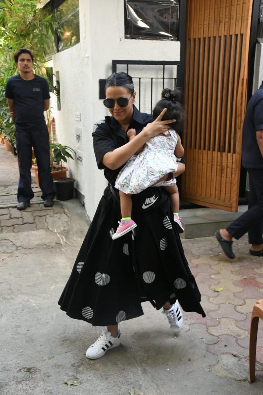 Neha Dhupia & Angad Bedi spotted at Izumi Restaurant Photos