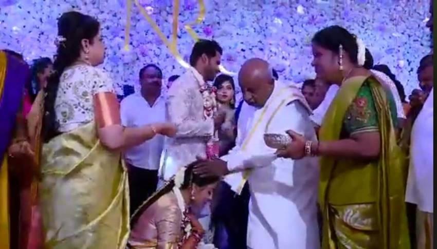 Nikhil Kumaraswamy And Revathi Engagement Photos
