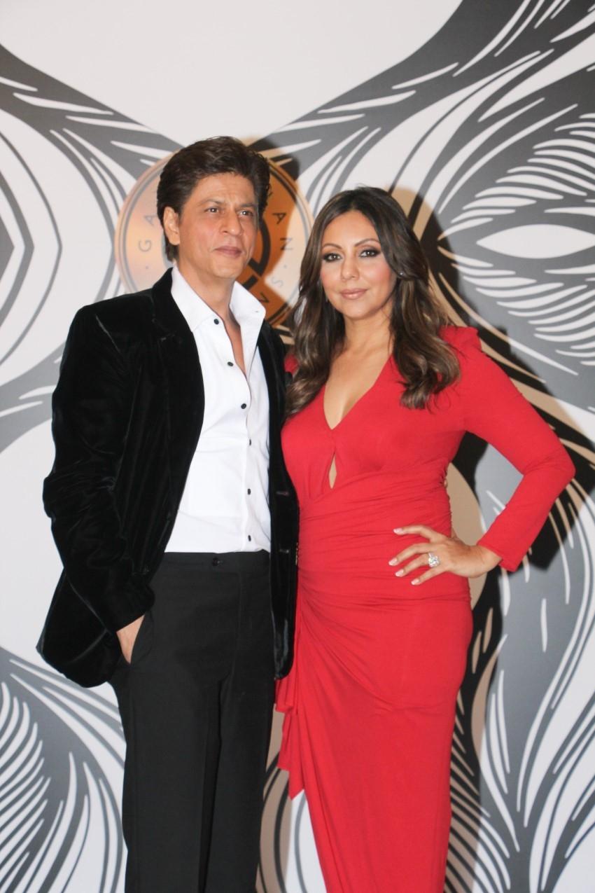 Shahrukh Khan, Ananya Panday, Karan Johar & Others At Gauri Khan's Party Photos