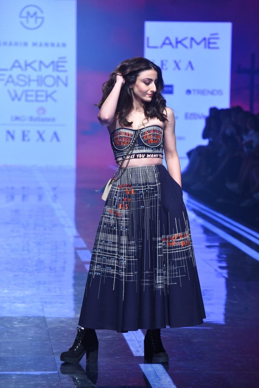 Soha Ali Khan walks the Ramp at Lakme Fashion Week 2020 Photos