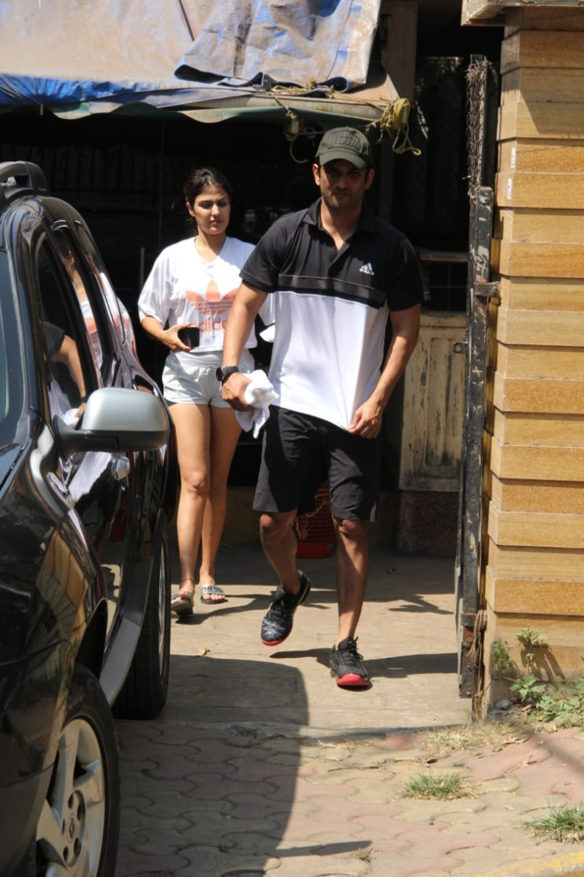 Sushant Singh Rajput & Rhea Chakraborty spotted at gym in Bandra Photos