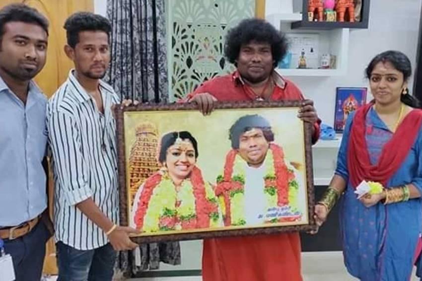 Tamil Comedian Yogi Babu & Manju Marriage Photos